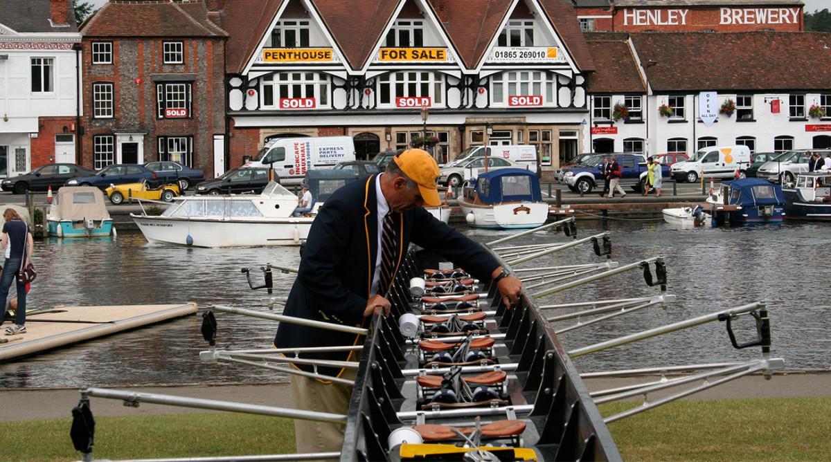 larry-gluckman-rowing-2