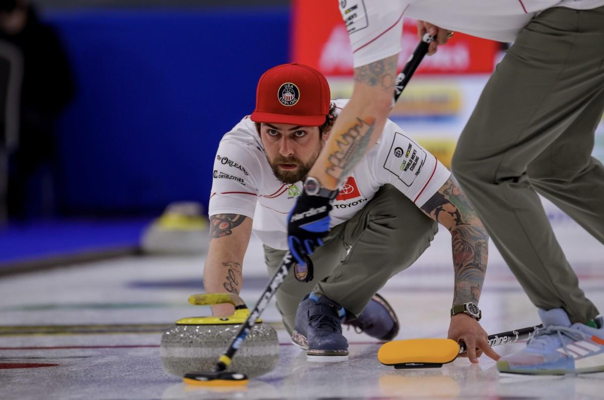 Chris Plys • Jeffrey Au-World Curling Federation