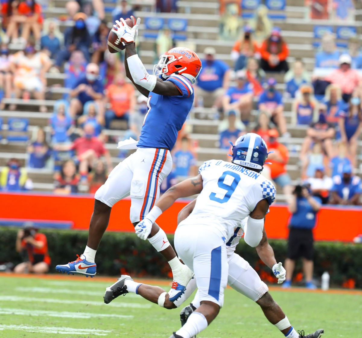 Florida Gators receiver Kadarius Toney (1) makes a leaping catch against the Kentucky Wildcats. Mandatory Credit: Brad McClenny-USA TODAY NETWORK