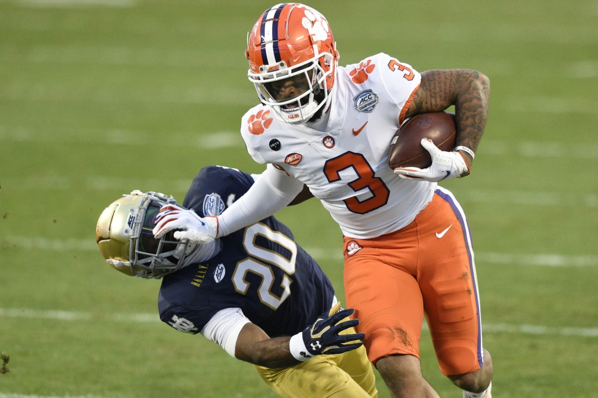 Clemson Tigers wide receiver Amari Rodgers (3) with the ball as Notre Dame safety Shaun Crawford (20) defends. Mandatory Credit: Bob Donnan-USA TODAY Sports