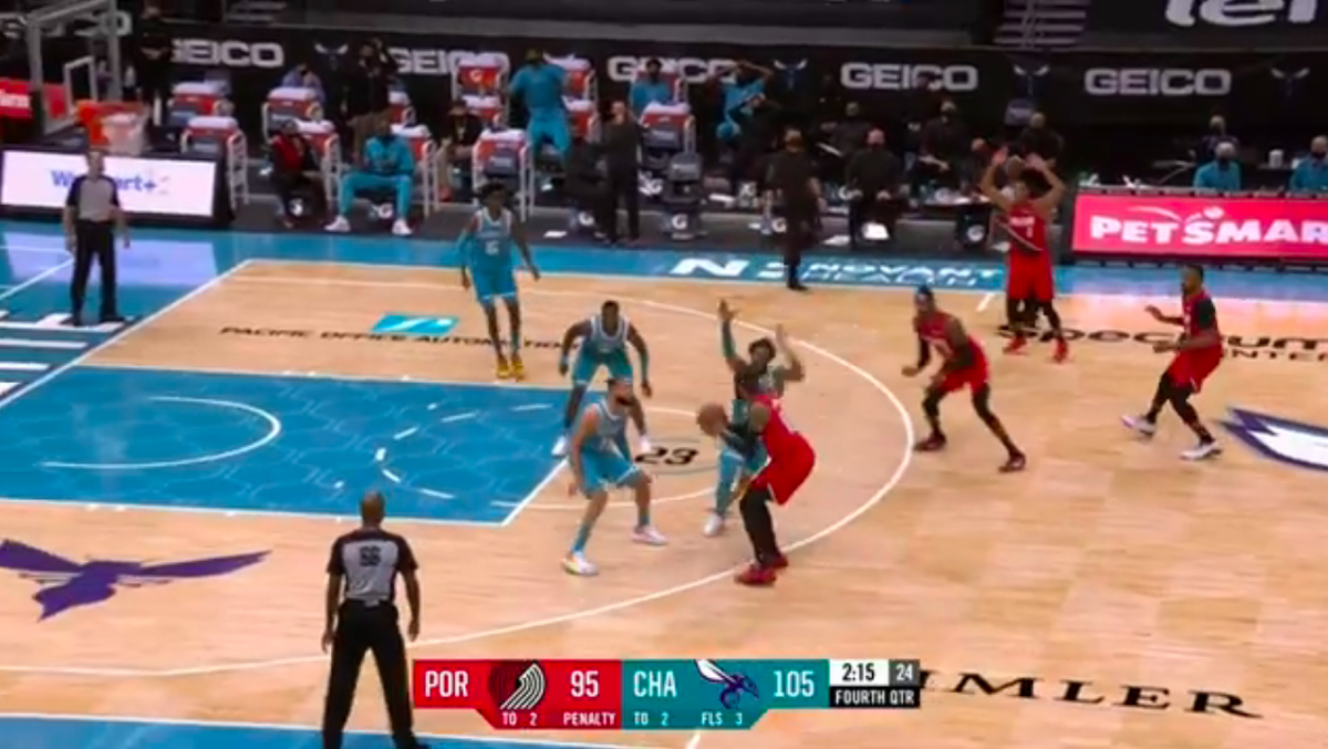 'Melo had missed his previous two shots by this point in the fourth quarter.