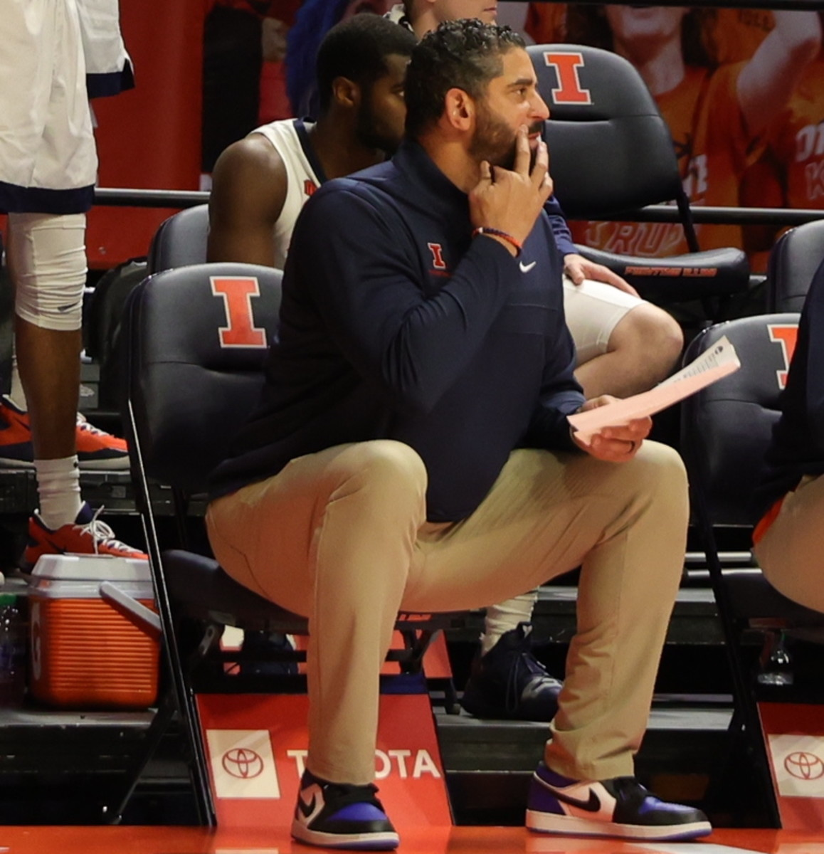 Multiple reports have confirmed Orlando Antigua will be leaving his position as an assistant coach at Illinois in order to join John Calipari's coaching staff at Kentucky
