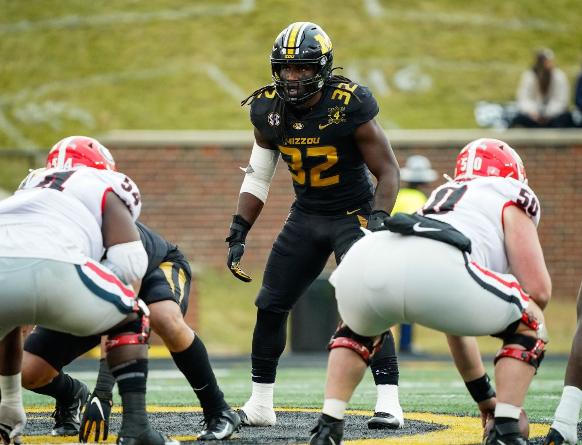 Missouri Tigers linebacker Nick Bolton (32) gets ready to defend against the Georgia Bulldogs. Mandatory Credit: Jay Biggerstaff-USA TODAY