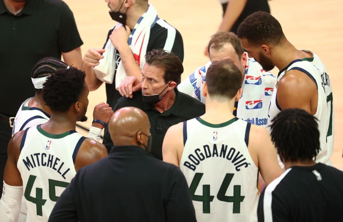 Utah Jazz team during a timeout