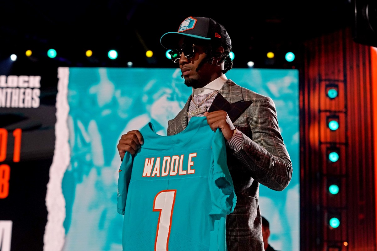 The Miami Dolphins pair Jaylen Waddle and Tua Tagovailoa back up by selecting Waddle sixth overall in the 2021 NFL Draft.