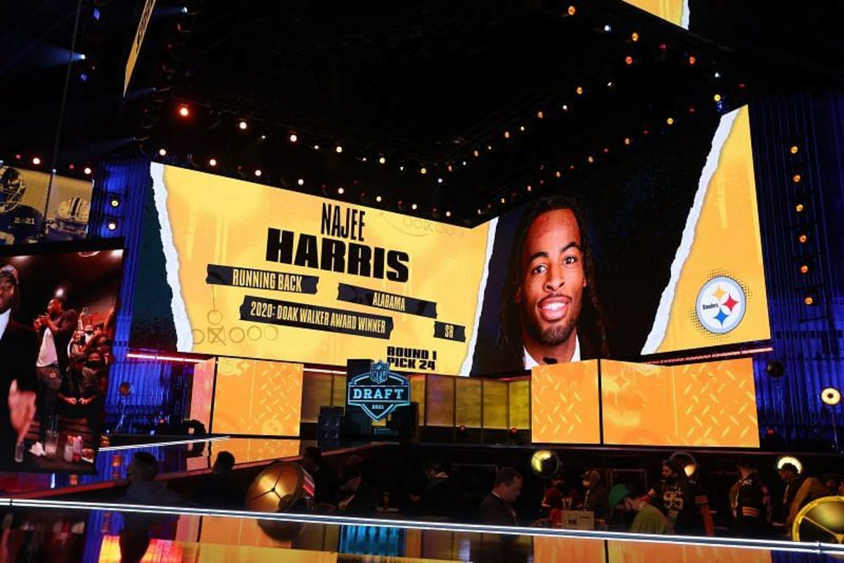The Pittsburgh Steelers take Najee Harris from Alabama with the 24th pick in the 2021 NFL Draft.