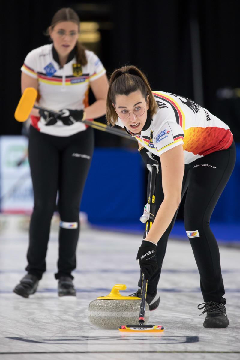 Analena Jentsch will sweep—a lot • SteveSeixeiro-WCF