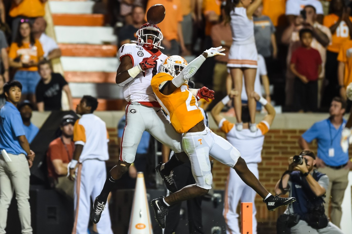 Tennessee Volunteers defensive back Bryce Thompson (20) breaks up a pass to Georgia receiver George Pickens (1). Mandatory Credit: Bryan Lynn-USA TODAY