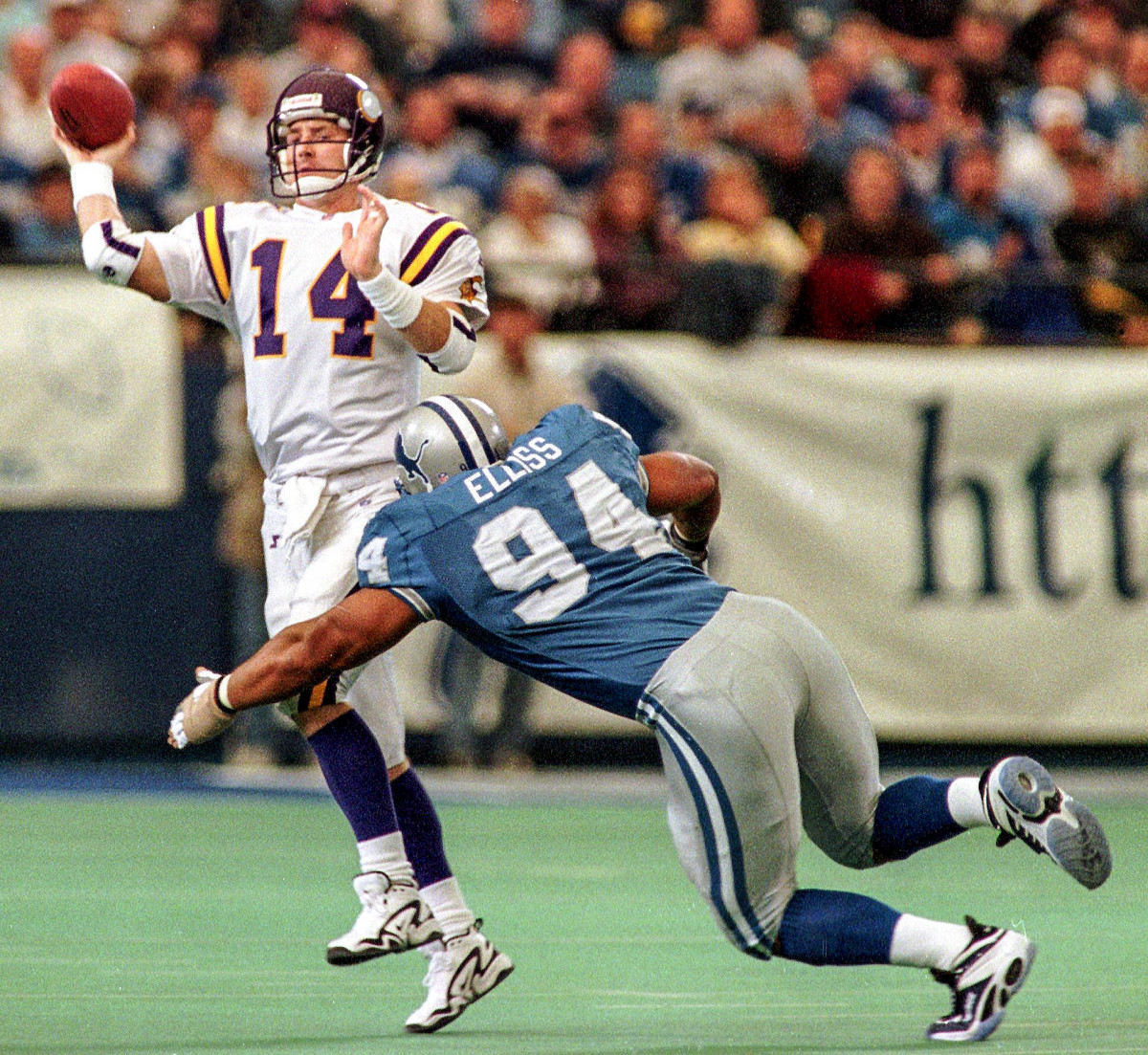 In 1997, Luther Elliss chased down then-Vikings quarterback Brad Johnson during a Vikings-Lions game