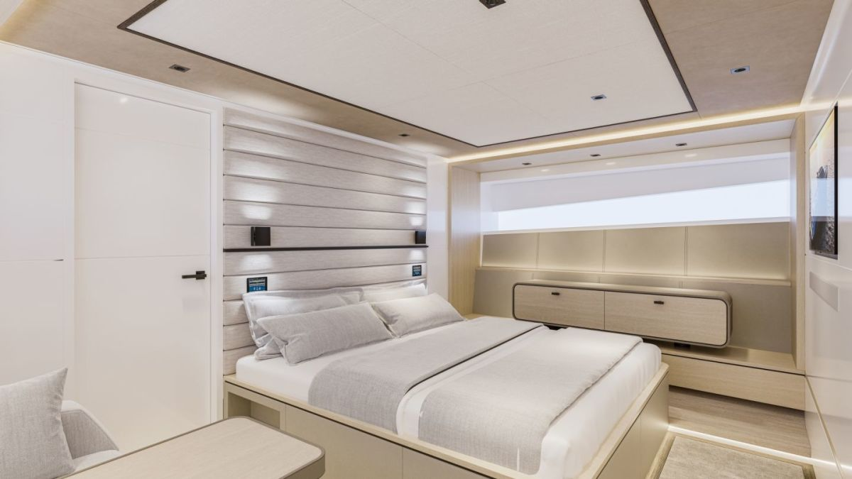 The master suite of the Wajer 77 yacht