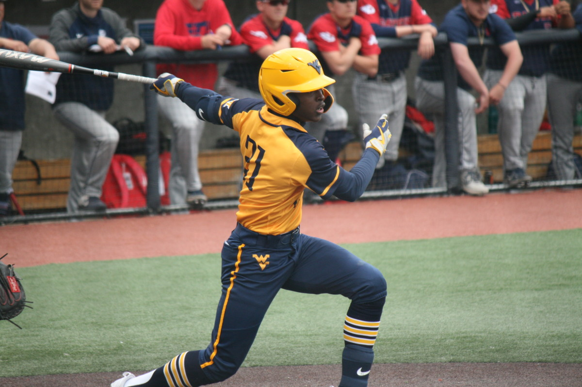 Austin Davis delivering a go-ahead two-out RBI single in the bottom of the fourth inning. Davis went 1-4 with two RBI's.