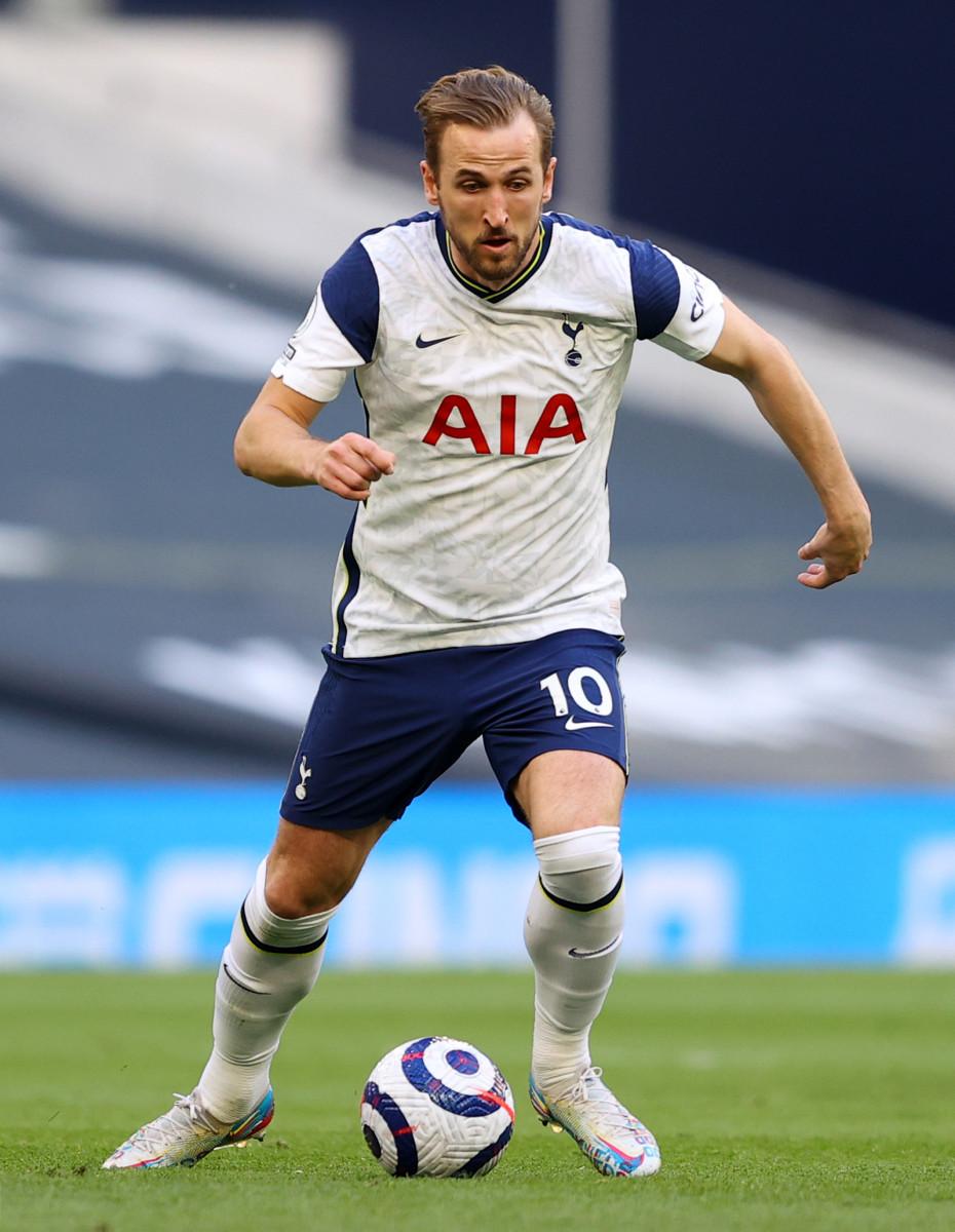 Kane with ball