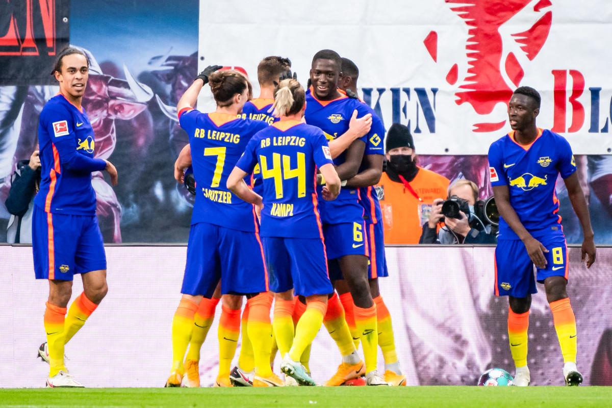Ibrahima Konate celebrates with his RB Leipzig teammates.