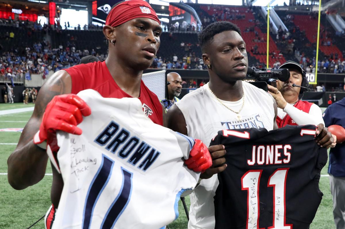 <p>Seahawks Won't Land Julio Jones, Star Receiver Traded to Titans thumbnail