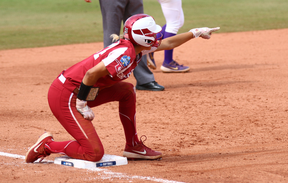 Jayda Coleman finished the game hitting 2-for-3 with a pair of RBIs in Oklahoma's win over the James Madison Dukes