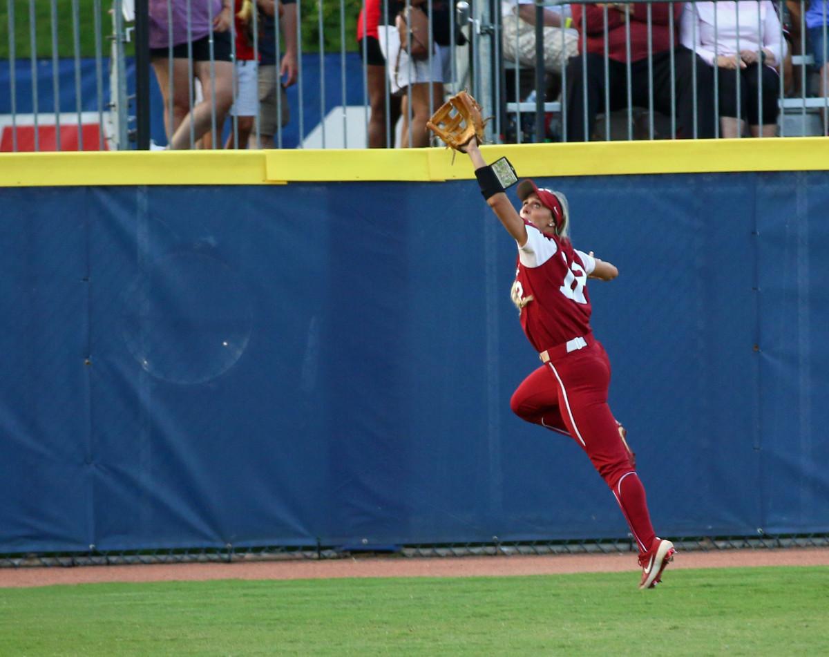 Mackenzie Donihoo makes the catch in left field