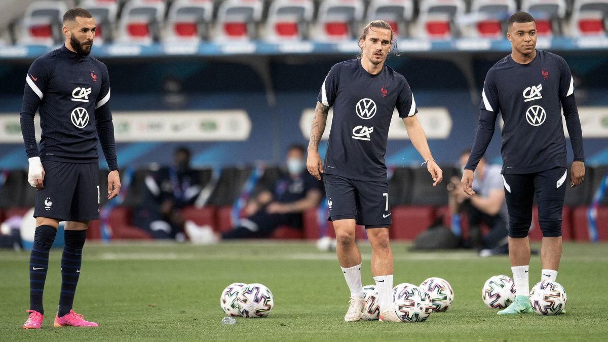 France's Karim Benzema, Antoine Griezmann and Kylian Mbappé