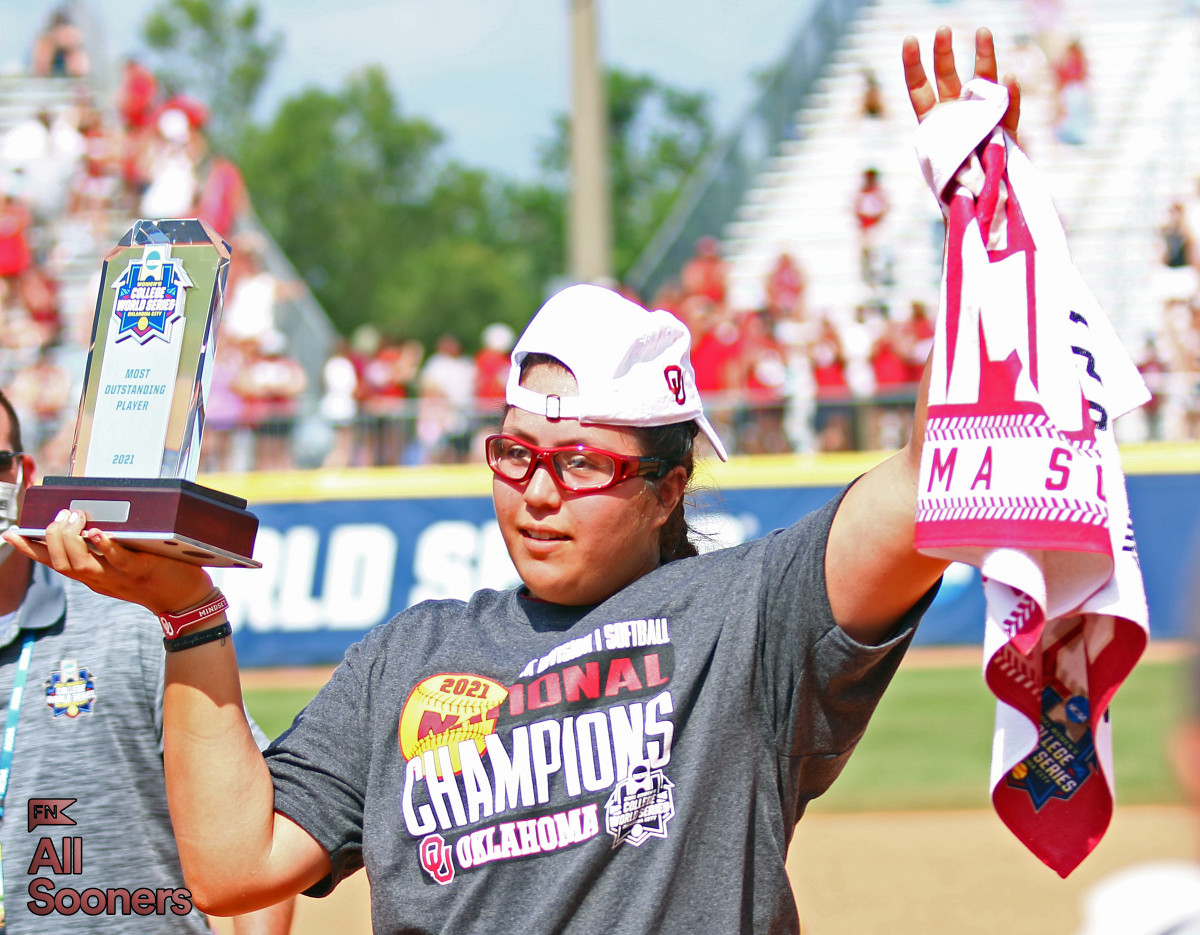 Giselle Juarez battled back from a biceps injury to be named the 2021 WCWS Most Outstanding Player