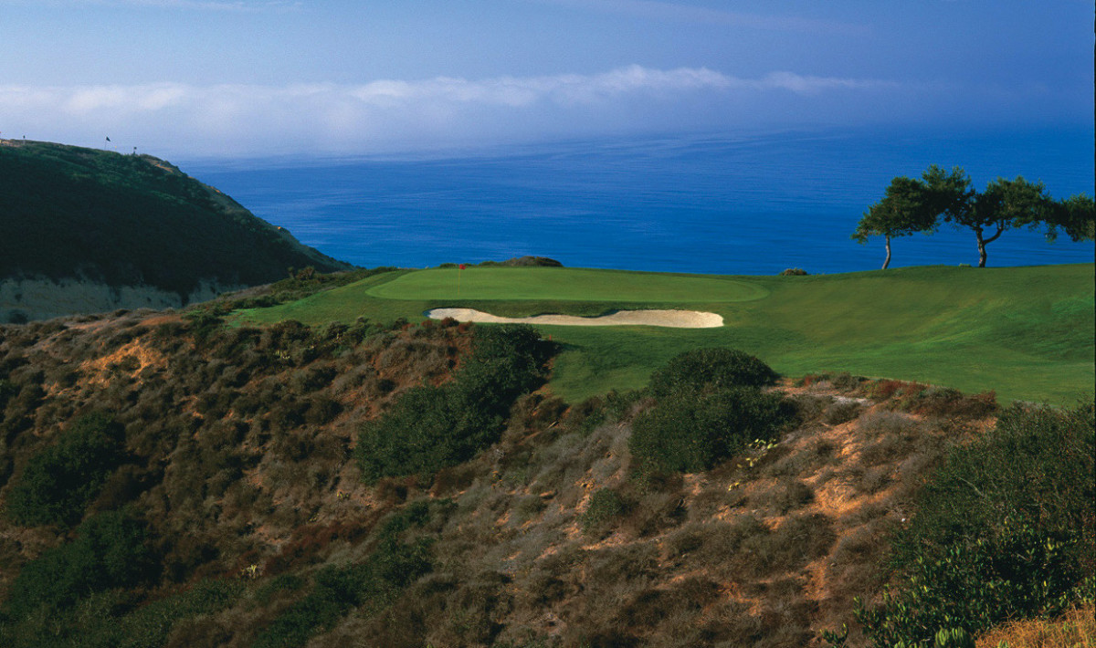 Torrey Pines South Course's par-3 3rd hole is as daunting as it is picturesque with a view of the Pacific Ocean serving as a backdrop.