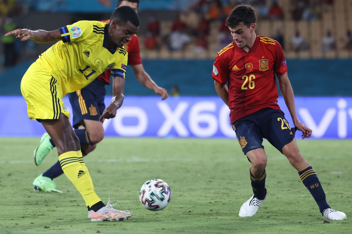 Isak was a constant threat in Sweden's Euros clash with Spain