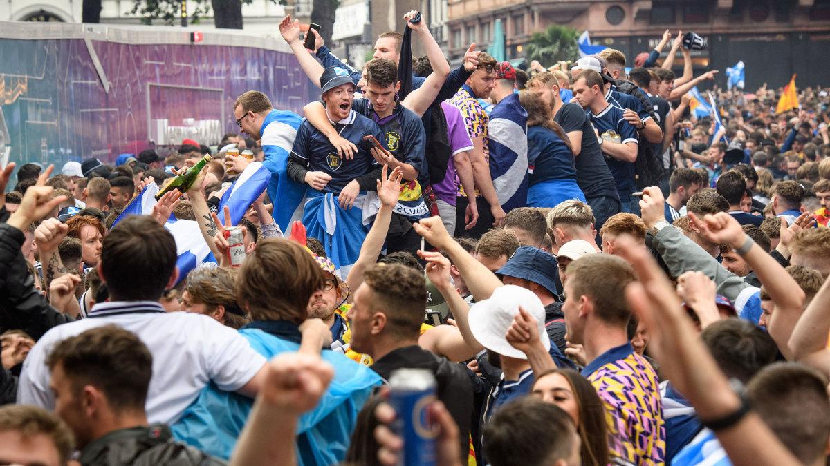 Scotland fans in England for Euro 2020