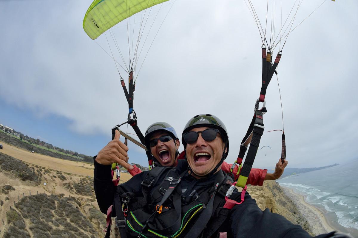 paraglider-selfie