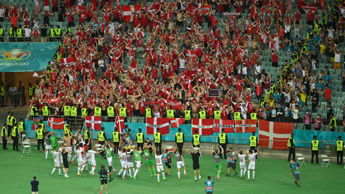Denmark celebrates with its fans after beating the Czech Republic