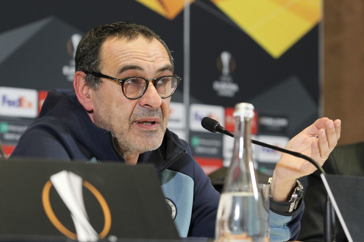 Sarri won the Europa League with Chelsea, his first trophy in management
