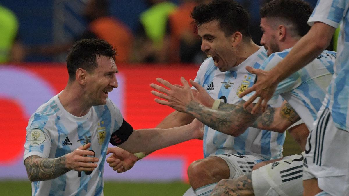Messi and Argentina celebrate winning Copa America