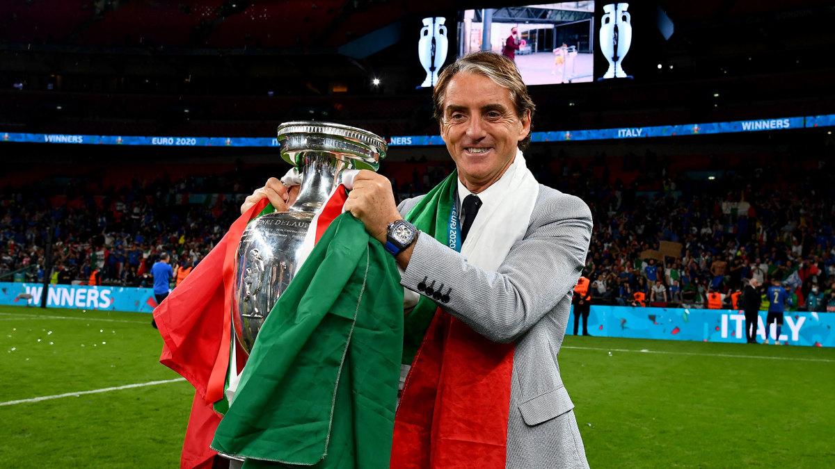 Roberto Mancini coaches Italy to a Euro 2020 title