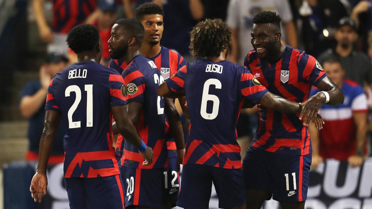 Daryl Dike scores for the USA vs. Martinique