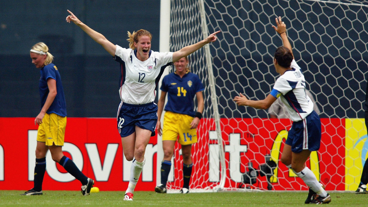 Cindy Parlow scores vs. Sweden in the 2003 Women's World Cup