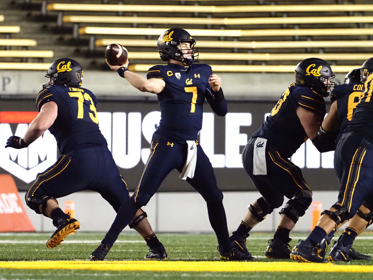 Chase Garbers throws the ball from the pocket against the Oregon Ducks during a home game in Berkeley.