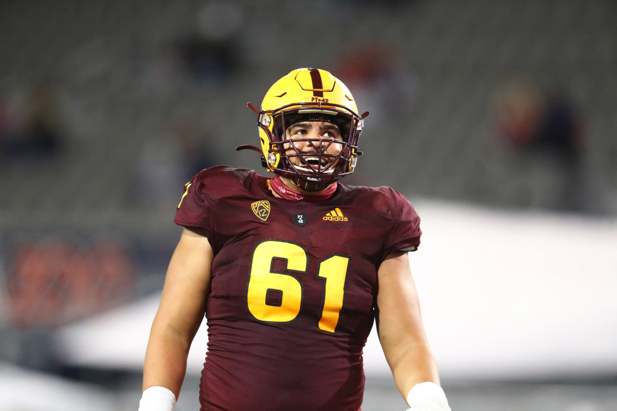 Dohnovan Westhas the potential to be a steal in the first round of the NFL Draft.