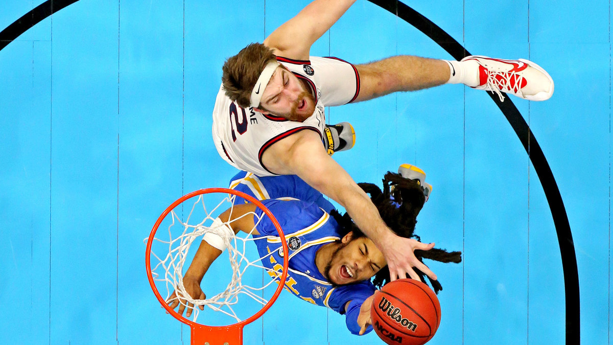 Drew Timme and Tyger Campbell battle in the Final Four