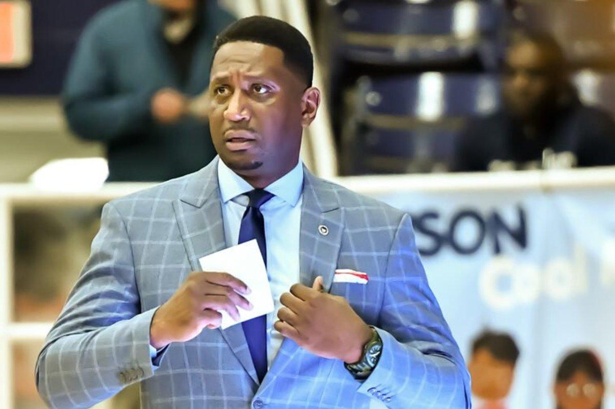 Howard head coach Kenny Blakeney landed top 15 center Makur Maker in 2020.
