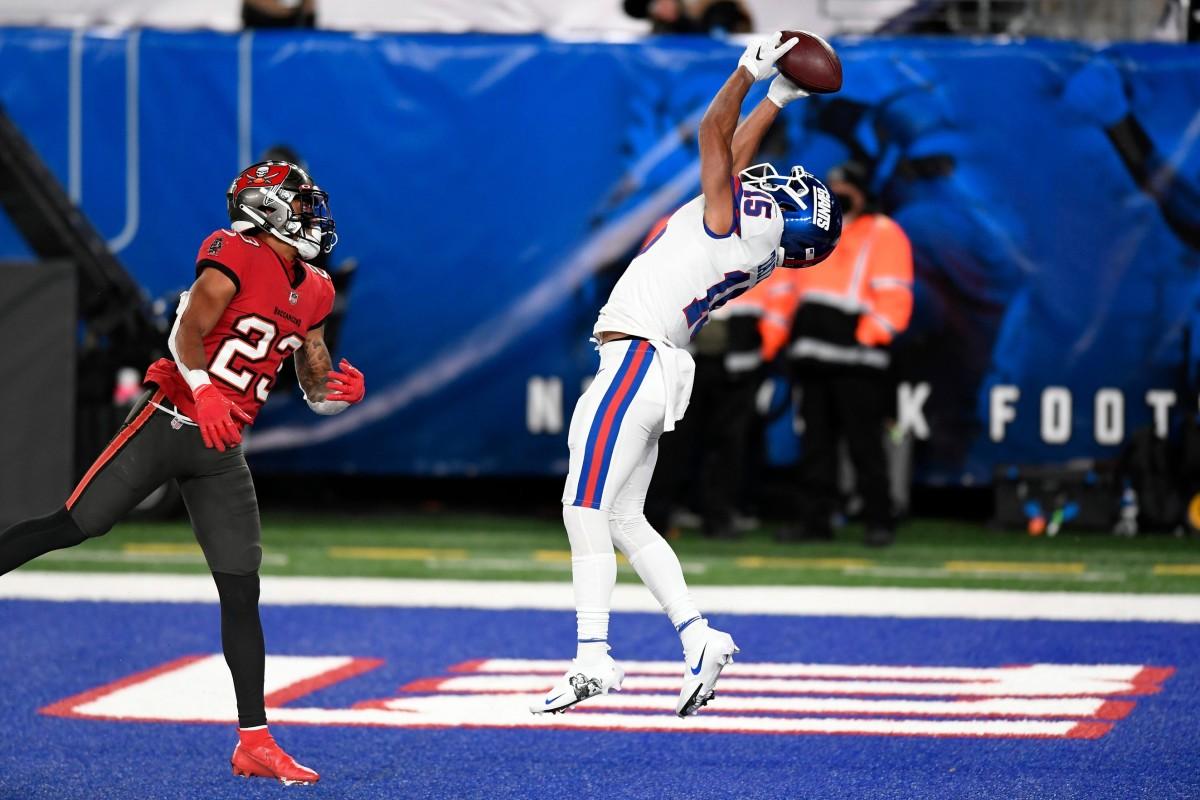 New York Giants receiver Golden Tate (15) makes a touchdown catch over Tampa Bay cornerback Sean Murphy-Bunting (23).© Danielle Parhizkaran/NorthJersey.com via Imagn Content Services, LLC