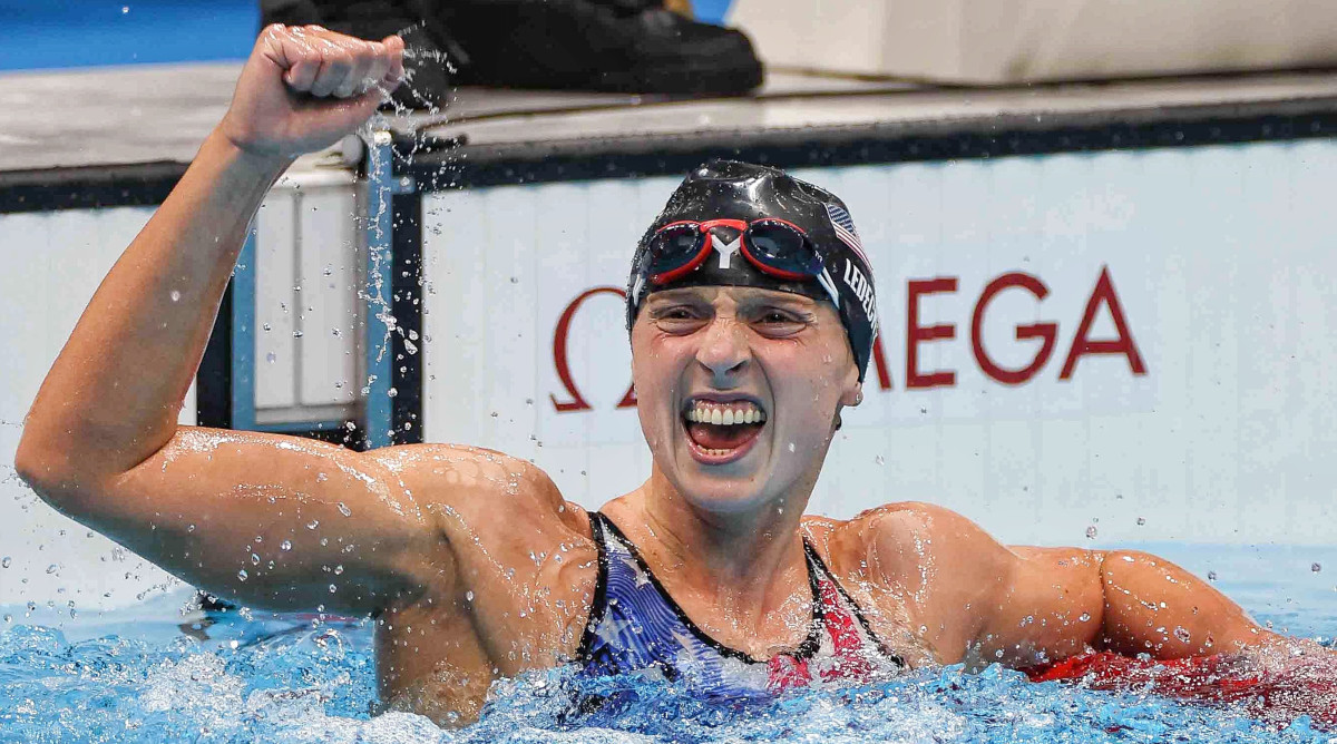 U.S. swimmer Katie Ledecky wins gold in the 1,500-meter freestyle at Tokyo Olympics