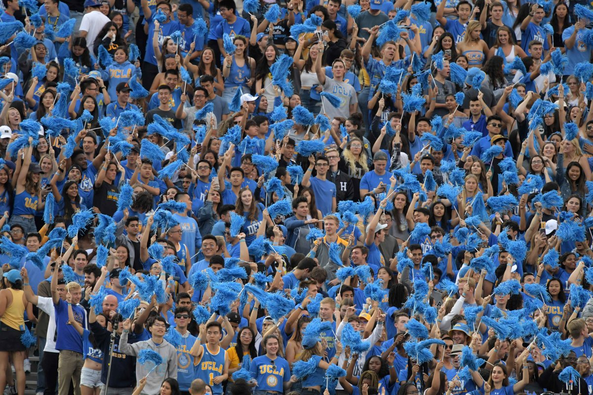 Beer, wine sales to resume at UCLA football games for first time in 32 years