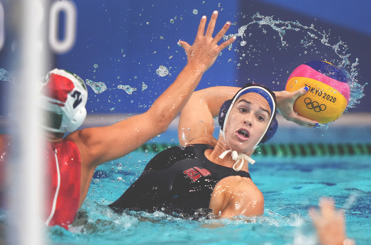 maggie-steffens-water-polo