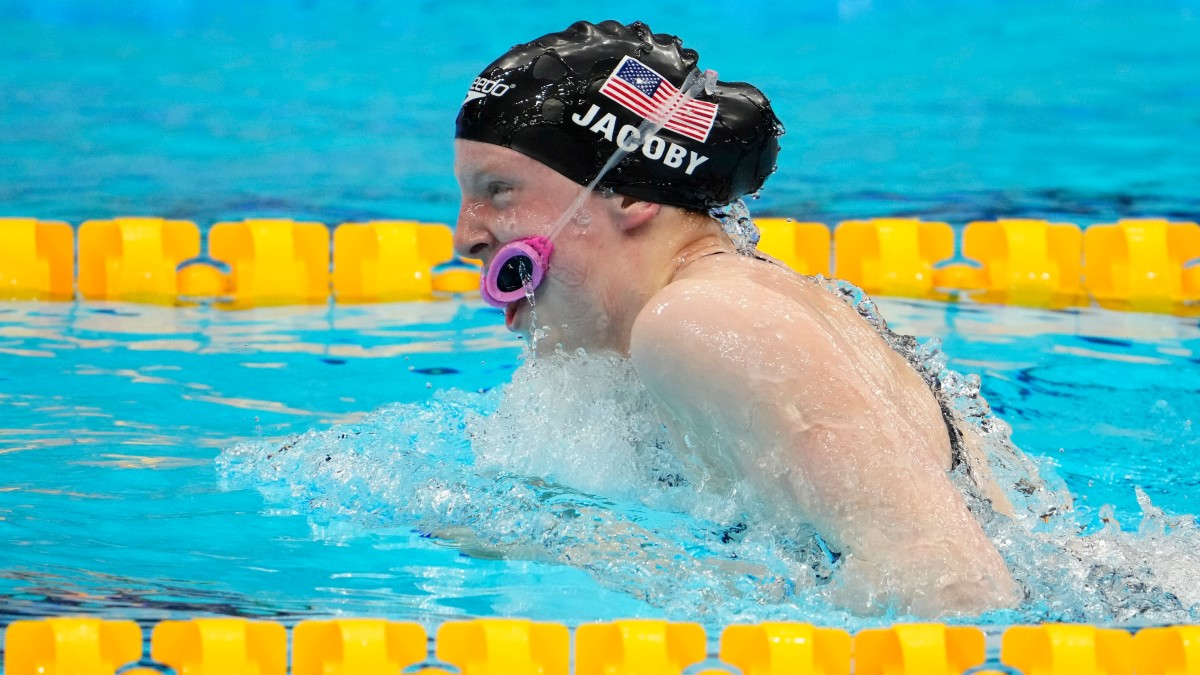 Goggles Mishap Costs U.S. in Mixed Medley Relay Final