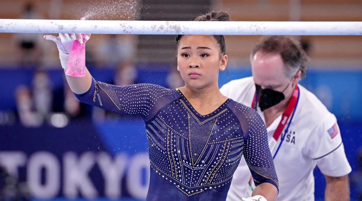 sunisa-lee-gymnastics-warmups