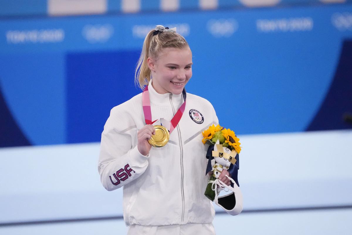 jade-carey-gold-medal