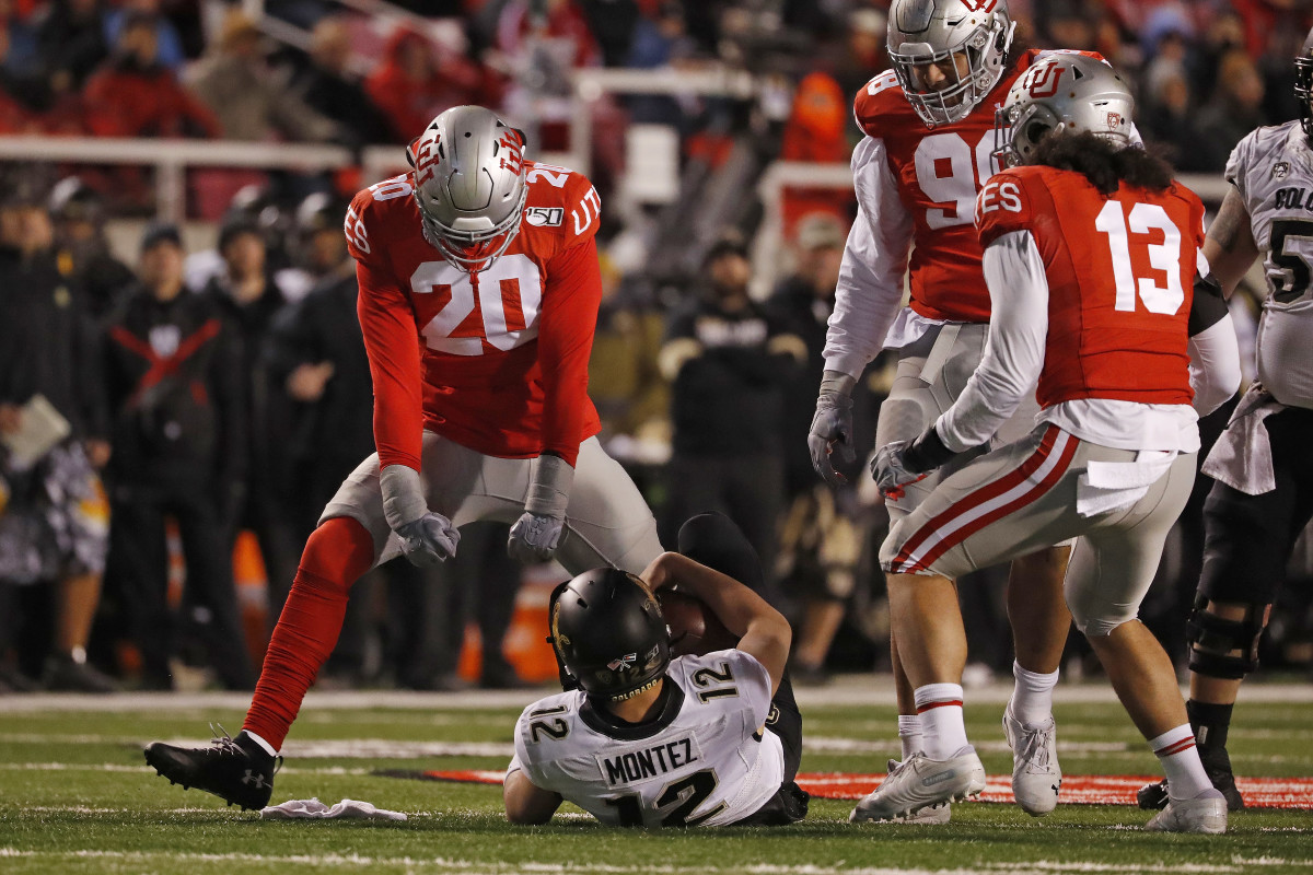 Devin Lloyd is a well-rounded, athletic linebacker who can make an impact early in the NFL.