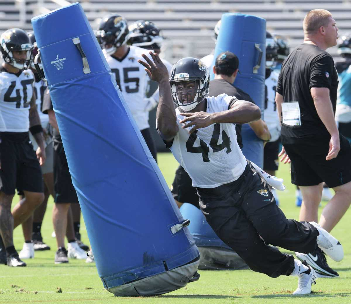 Myles Jack will be a versatile part of the Jaguars new defense.© Bob Self/Florida Times-Union