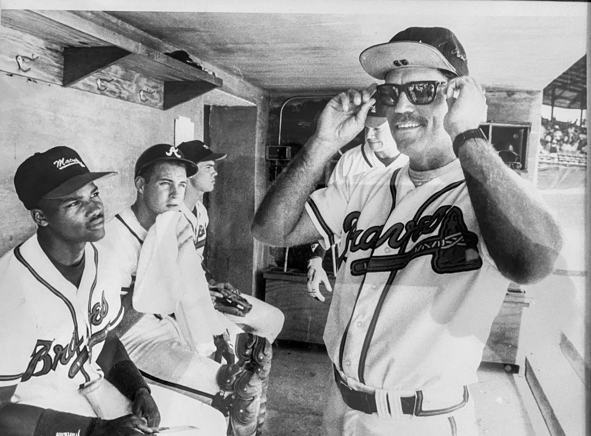 A young Snitker goofed off with a young Chipper Jones.
