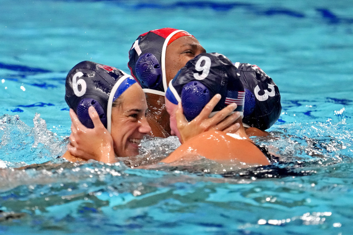 steffens-water-polo-gold