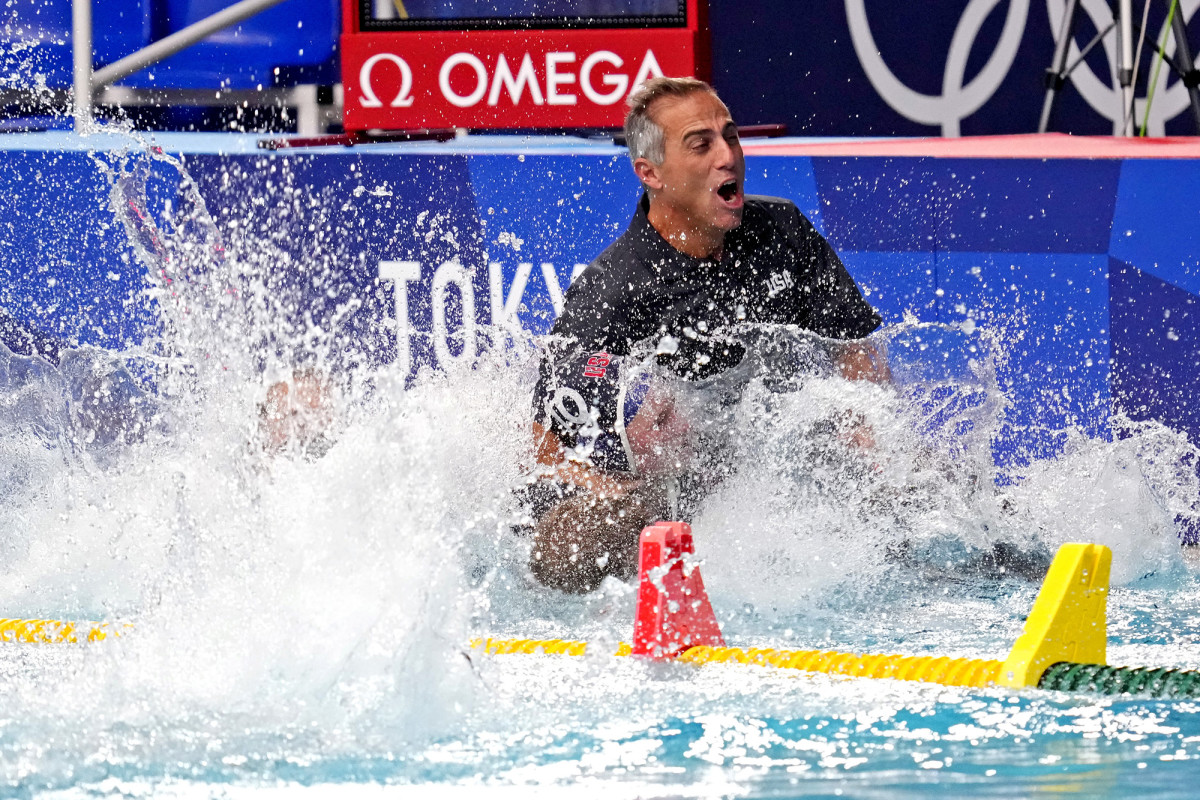 water-polo-coach-win