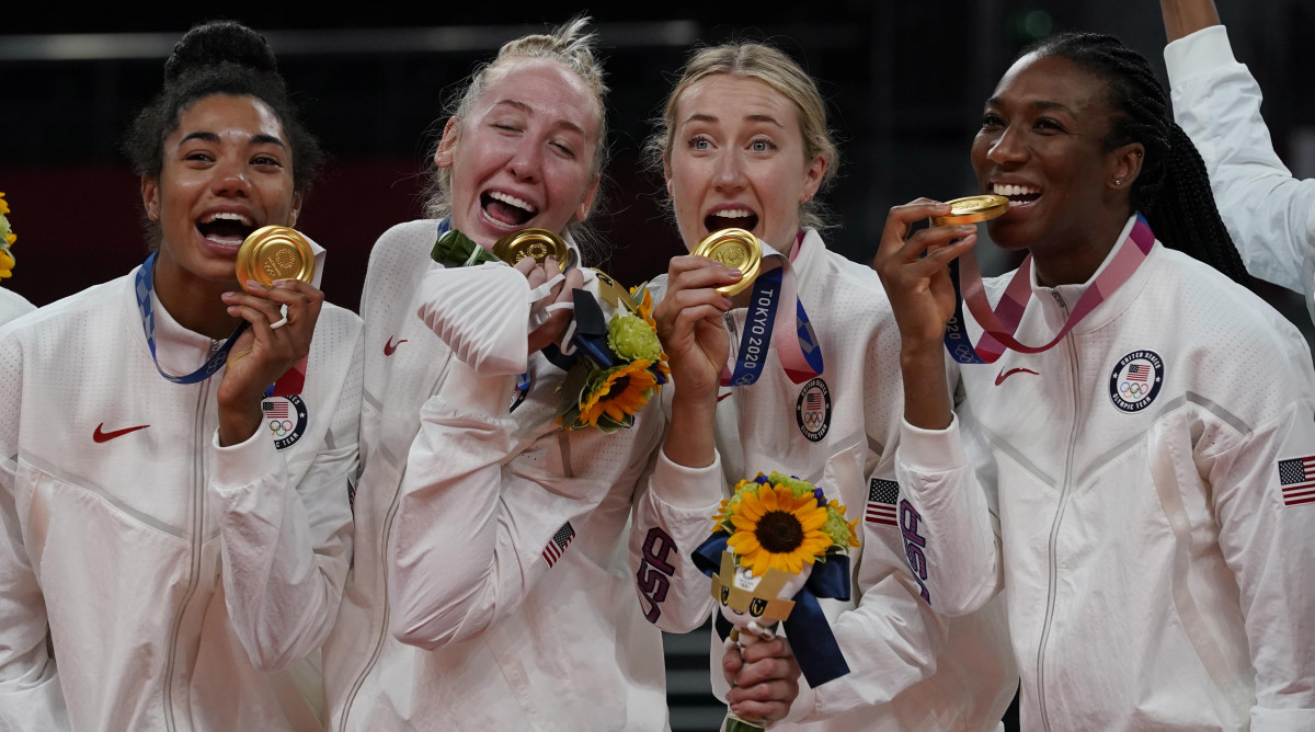 us-womens-volleyball-gold-lead