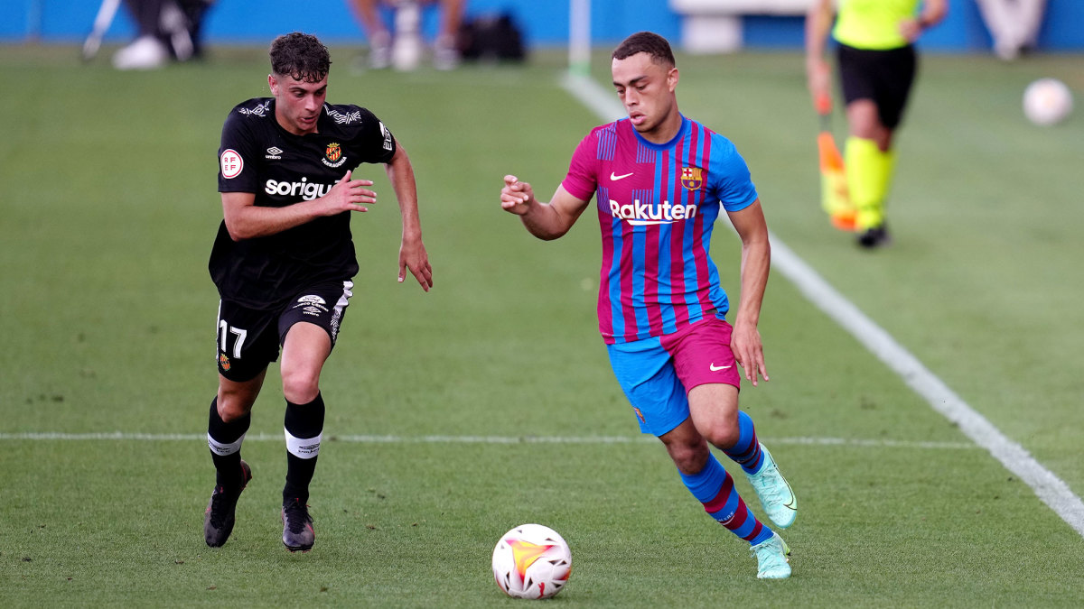 Sergiño Dest is back for a second season with Barcelona